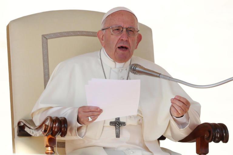 """Ο Πάπας συγκρίνει την έκτρωση με την """"πρόσληψη"""" επαγγελματία δολοφόνου"""