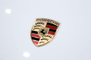 """""""Καμπάνα"""" 47 εκατ. ευρώ στην Porsche για το σκάνδαλο με τις εκπομπές καυσαερίων"""
