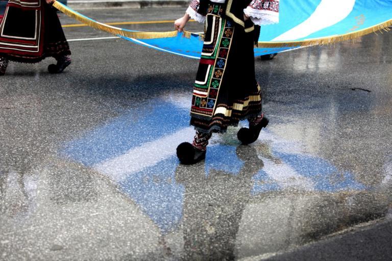 Καιρός – 28η Οκτωβρίου: Βροχές και καταιγίδες στην παρέλαση!