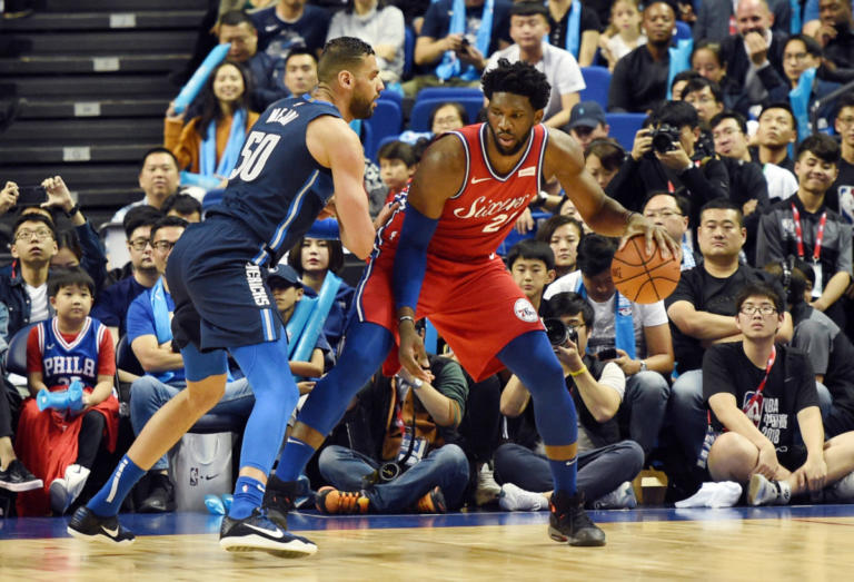 NBA: Νίκη χωρίς Αντετοκούνμπο για τους Μπακς – «Ηχηρή» επιστροφή Εμπίντ για τους Σίξερς (videos)
