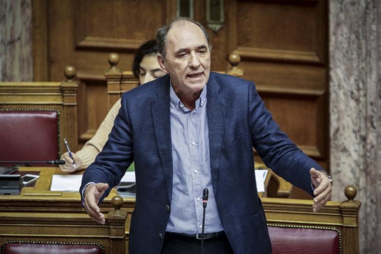"""Σταθάκης: """"Καμία πρόταση μομφής δεν πρόκειται να συγκεντρώσει 151 βουλευτές"""""""