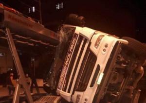 Χανιά: Τροχαίο με νταλίκα στο λιμάνι της Σούδας – Αυτοψία στο σημείο του ατυχήματος [pics]