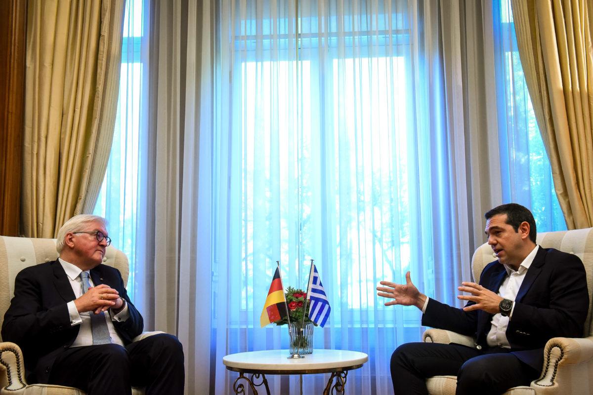 Το ζήτημα των γερμανικών αποζημιώσεων έθεσε ο Τσίπρας στον Στάινμαϊερ