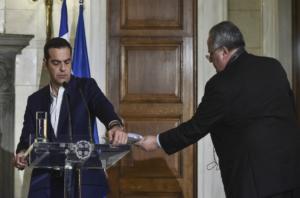 """ΣΥΡΙΖΑ: """"Τυφώνας"""" Κοτζιάς… ταρακουνάει το κόμμα! """"Μουρμούρα"""" εντός, στήριξη εκτός"""