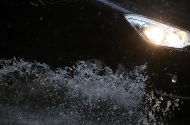 """Καιρός: Ξεκινά ο… """"Γολγοθάς"""" της εβδομάδας με χιόνια, καταιγίδες και κρύο"""