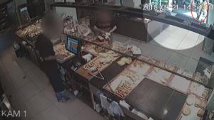 Ζακ Κωστόπουλος: Video από κάμερα ασφαλείας λίγο πριν το θάνατό του