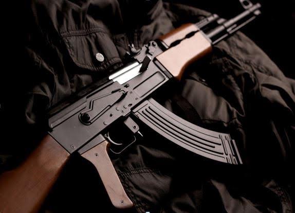 Το σοβιετικό όπλο που από το 1949 είναι πρώτο σε πωλήσεις – Ο φόβος και ο τρόμος των Αμερικανών! [pics] + [vid]