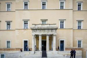 Αρθροσκοπήσεις: Να διερευνηθούν περαιτέρω ευθύνες Βορίδη – Σαλμά λέει ο ΣΥΡΙΖΑ