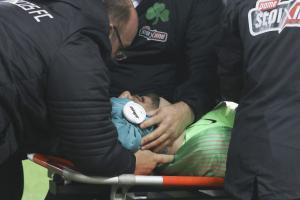 """Ολυμπιακός – Παναθηναϊκός: Ο σοκαριστικός τραυματισμός του Διούδη! """"Πάγωσε"""" το """"Γ. Καραϊσκάκης"""" [pics]"""