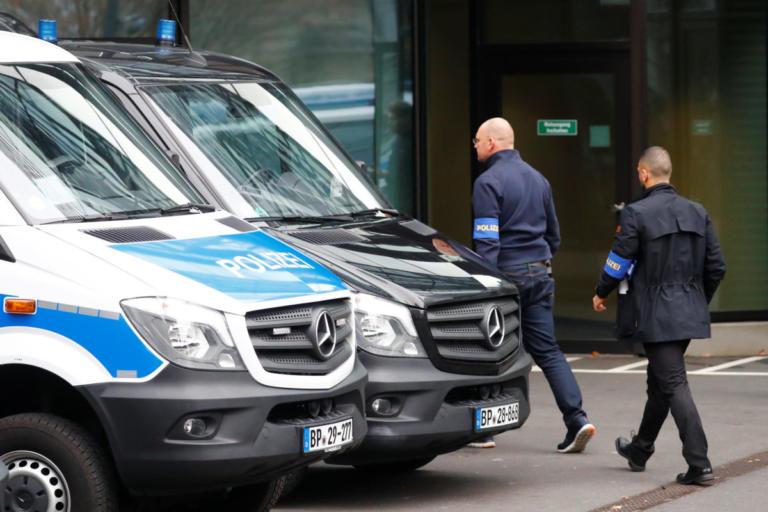 """Deutsche Bank: """"Ξεσκονίζουν"""" και σήμερα τα γραφεία για ξέπλυμα χρήματος"""