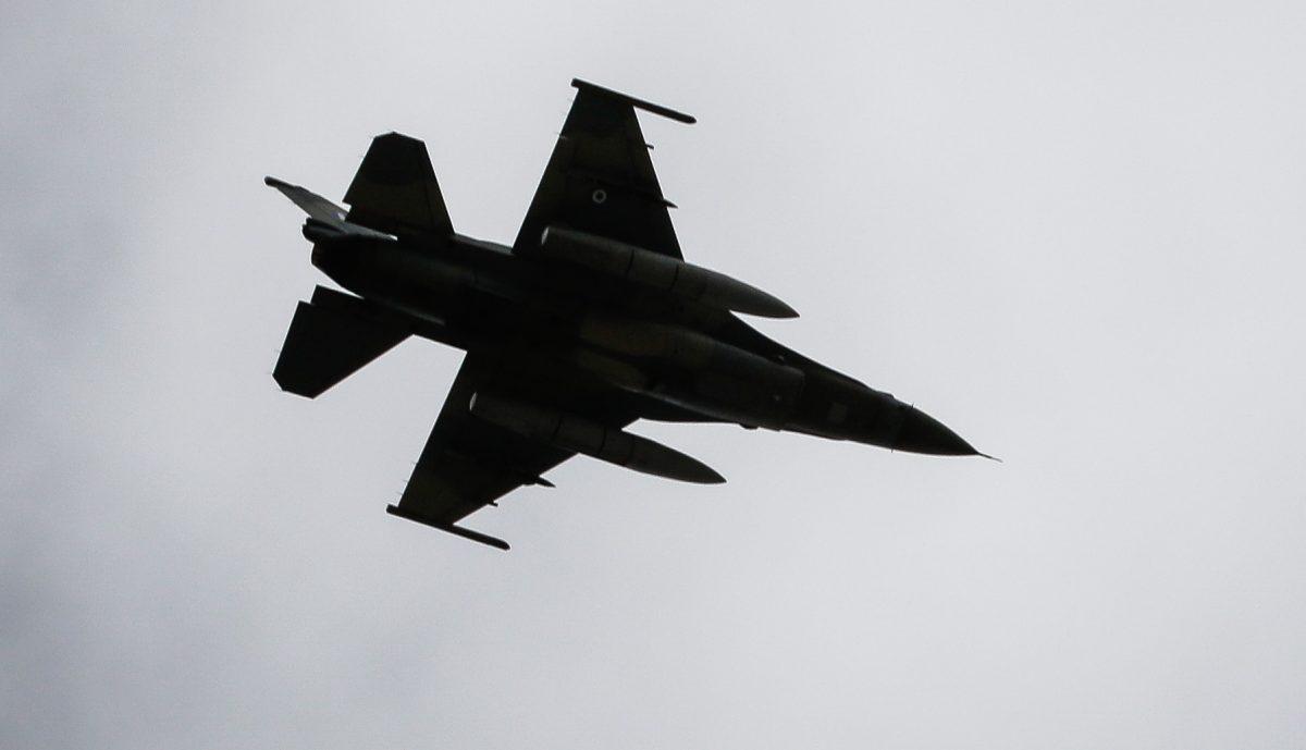 Κρήτη: Ελιγμοί από F-16 που κόβουν την ανάσα – Καθήλωσε η εντυπωσιακή επίδειξη στο Ηράκλειο – video