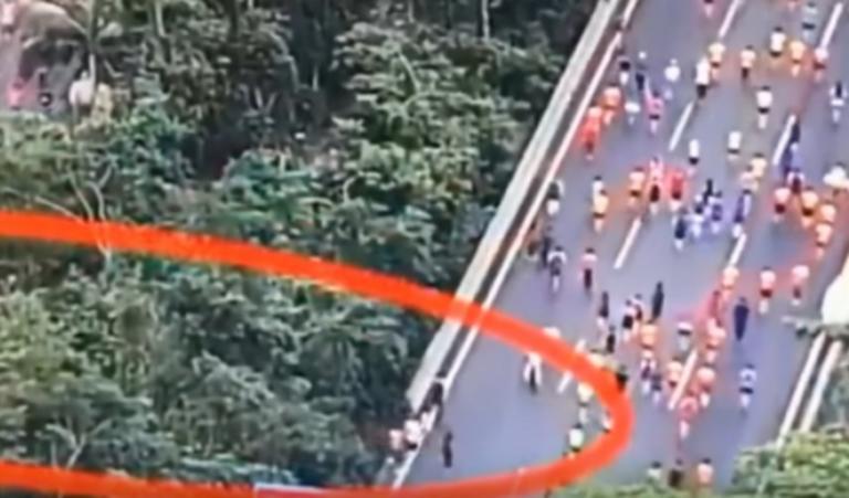 """Στα """"πράσα""""! Τους έπιασαν να κόβουν… δρόμο σε ημιμαραθώνιο – video"""