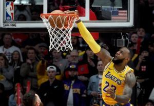 """""""Άλωσε"""" το Πόρτλαντ ο τρομερός Λεμπρόν! Τα αποτελέσματα του NBA – videos"""