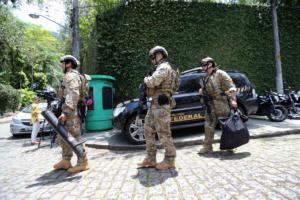 Βραζιλία: Ο Μπολσονάρο βγάζει τους ελεύθερους σκοπευτές κατά της εγκληματικότητας!