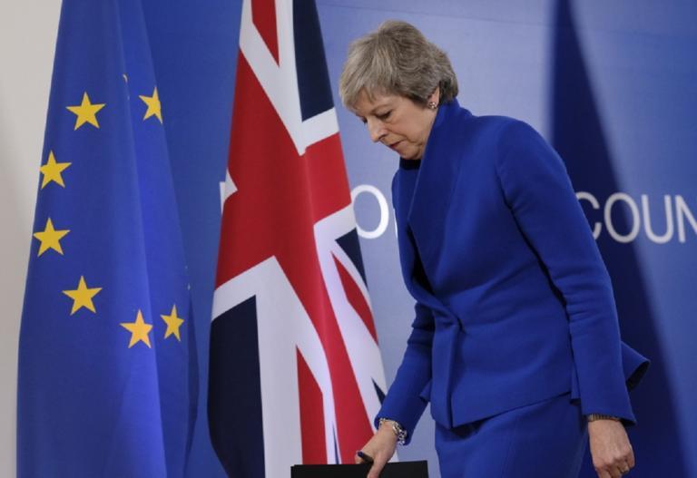 Brexit: Τώρα αρχίζουν τα δύσκολα για τη Μέι! Πως θα πείσει το βρετανικό κοινοβούλιο και τα σενάρια για την επόμενη μέρα!