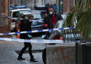 """Βρυξέλλες: Μαχαίρωσε αστυνομικό φωνάζοντας """"ο Αλλάχ είναι μεγάλος"""""""