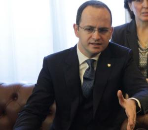 """Νέα πρόκληση από τον Αλβανό ΥΠΕΞ – Δεν έχει κλείσει ο ελληνικός κατάλογος """"non grata""""!"""