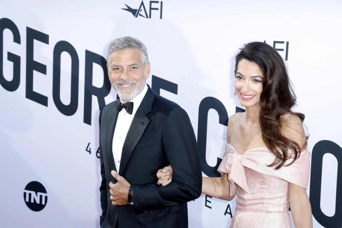 Η Amal αναγκάζει τον George Clooney να πουλήσει την Harley!