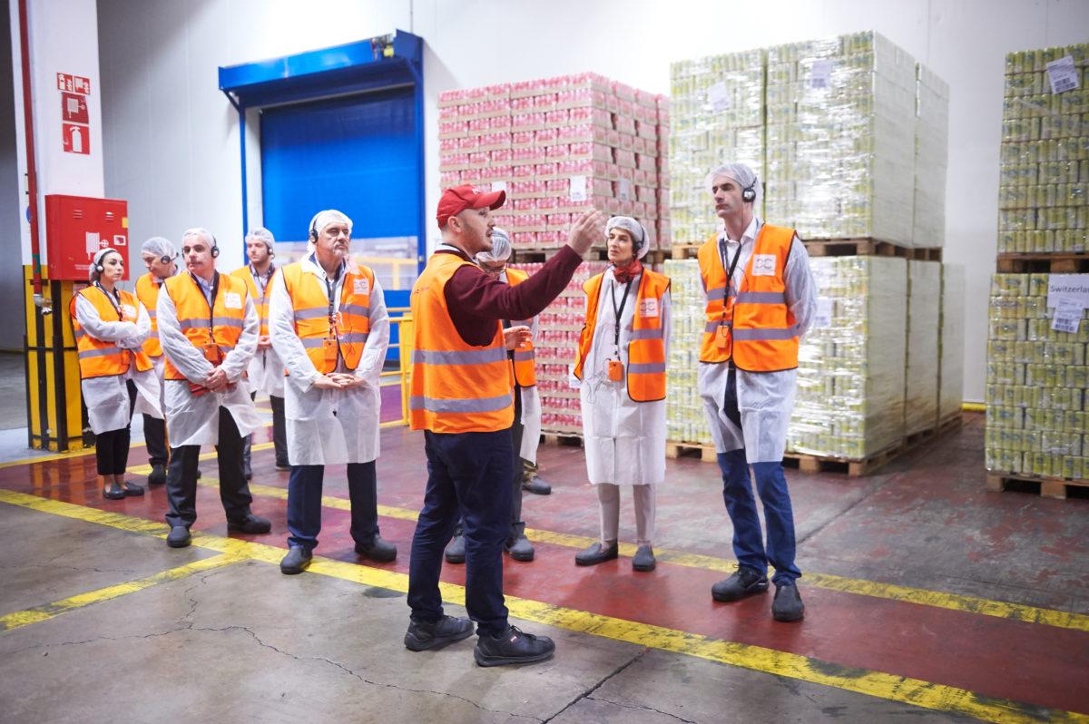 """""""Μέσα"""" στο Mega-Plant της Coca Cola Τρία Εψιλον στο Σχηματάρι με… υψηλούς προσκεκλημένους! [pics]"""