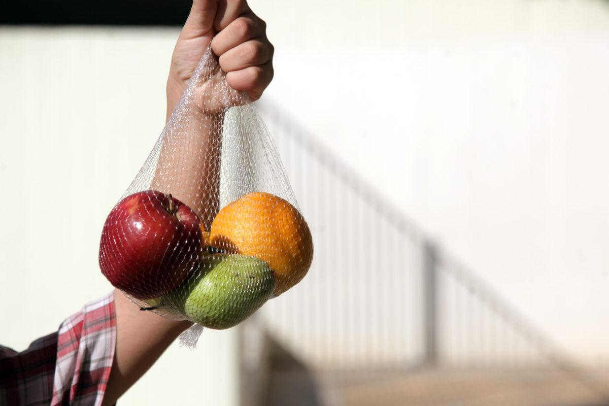 Άρχισε η διανομή 1.400 τόνων φρούτων και λαχανικών και 800 τόνων γάλακτος σε σχολεία