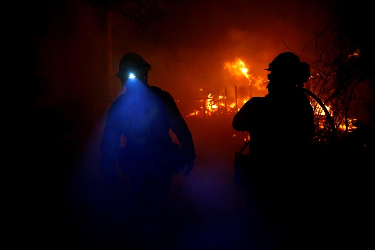 Βρήκαν 14 ακόμη νεκρούς - Επελαύνει ο πύρινος εφιάλτης στην Καλιφόρνια!