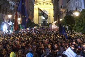 Ουγγαρία: Διαδηλώσεις υπέρ του πανεπιστημίου του Σόρος!