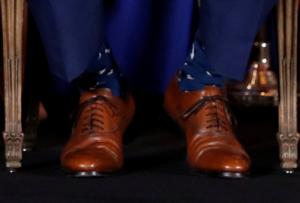 Ο πρωθυπουργός… άρχοντας της κάλτσας ξαναχτύπησε! [pics]