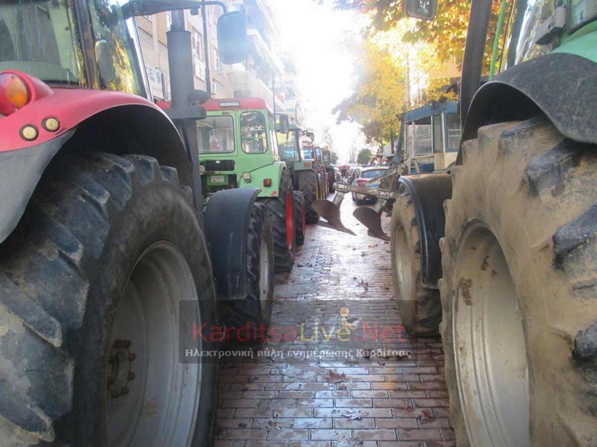 Καρδίτσα: Αγροκτηνοτροφικό συλλαλητήριο με τρακτέρ στην κεντρική πλατεία – video