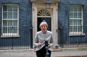 Brexit: Υπεραμύνεται της συμφωνίας η Μέι που δέχεται πιέσεις… από παντού! video