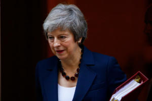 Brexit: Αγωνία στην Βρετανία – Δηλώσεις Μέι μετά το μαραθώνιο υπουργικό συμβούλιο