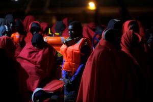Θάνατος ξανά στη Μεσόγειο – Χάθηκαν τρεις ζωές, σώθηκαν 564 μετανάστες