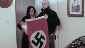 """Στη φυλακή ζευγάρι νεοναζί που βάφτισε το παιδί του """"Αδόλφο"""" στη μνήμη του Χίτλερ"""