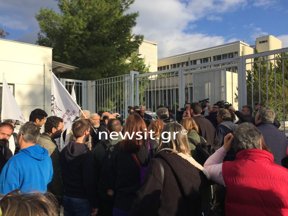 Διαμαρτυρία του Συνδικάτου ΟΤΑ Αττικής για την καταδίκη της καθαρίστριας [pics]