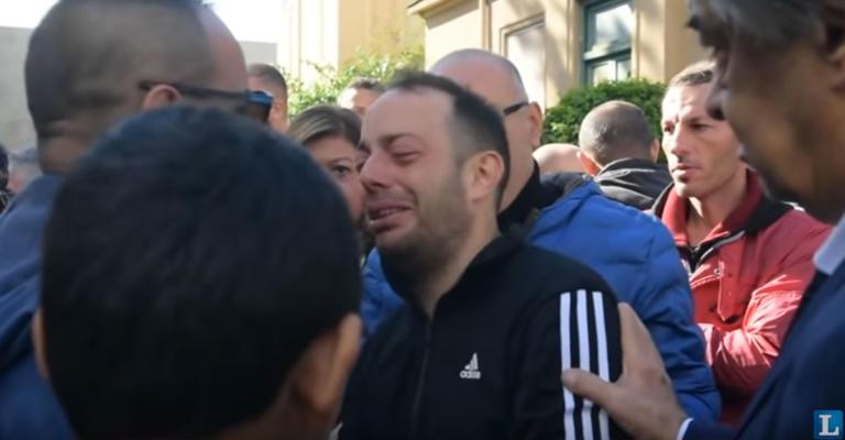 Σικελία: Ο θρήνος του πατέρα που έχασε όλη του την οικογένεια [video]
