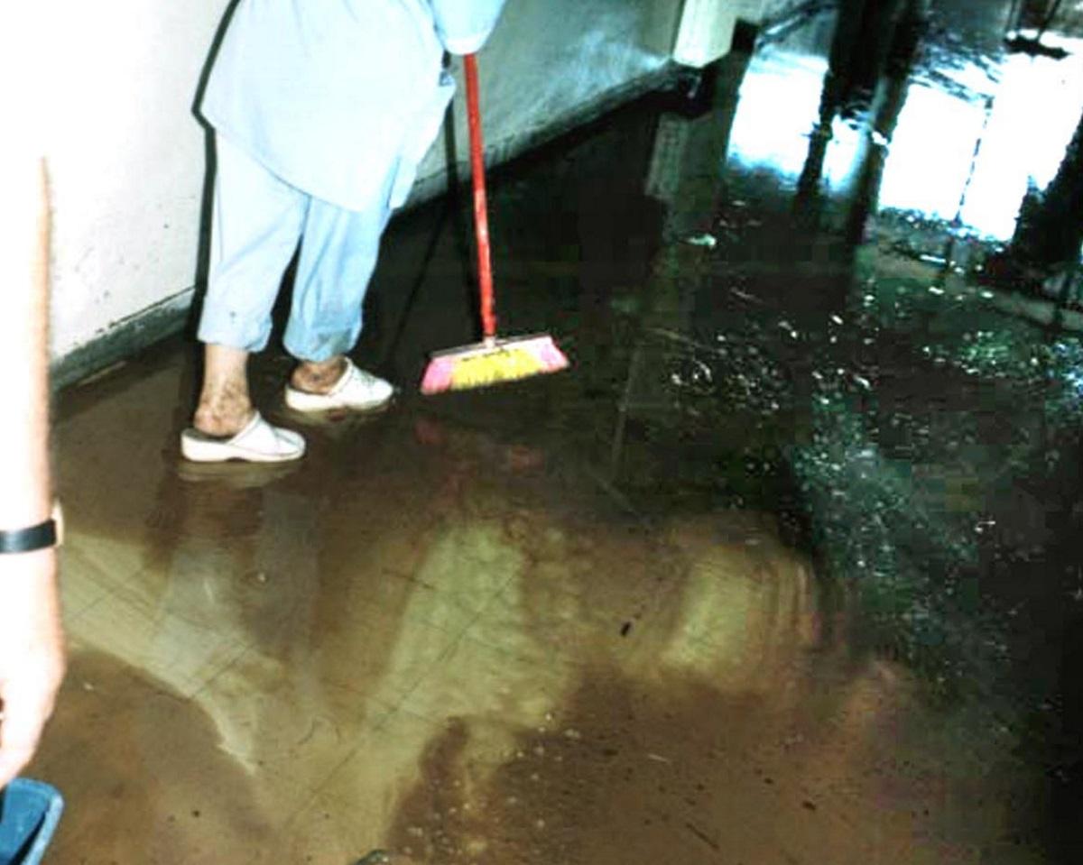 Ηράκλειο: Πλημμύρισαν τα ΤΕΠ του Βενιζέλειου νοσοκομείου – Χάος μετά την πρώτη δυνατή βροχή!