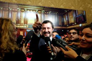 """Ιταλία: Τριγμοί στην κυβέρνηση! """"Φαγώνονται"""" Λέγκα και Πέντε Αστέρια"""