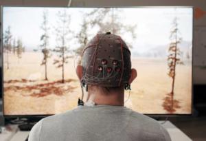 """Έρχεται το """"εγκεφαλικό τηλεκοντρόλ"""", θα αλλάζει κανάλια με τα μάτια [pic]"""