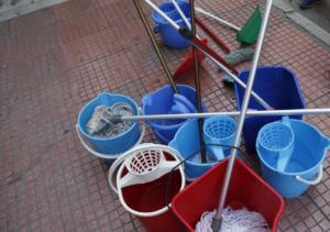 """""""Τερατώδης η ποινή στην καθαρίστρια"""" για το πλαστό απολυτήριο δημοτικού"""