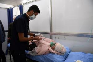Συρία: Βομβαρδισμός με τοξικά αέρια στο Χαλέπι – 107 κρούσματα ασφυξίας [pics, video]