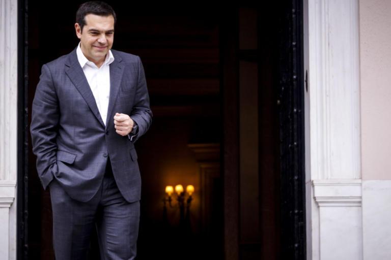Bloomberg: Νίκη Τσίπρα η μη περικοπή των συντάξεων