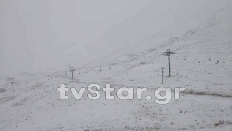 Καιρός: Μαγικές εικόνες! Έπεσαν τα πρώτα χιόνια στα ορεινά – video