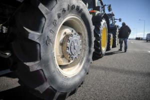 Μυρίζει… μπλόκα – Σε ρυθμούς κινητοποιήσεων οι αγρότες
