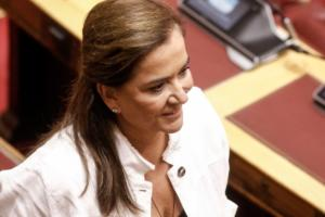 """""""Η """"νονά"""" της """"Βόρειας Μακεδονίας"""" Ντόρα Μπακογιάννη δεν δικαιούται να κρίνει κανέναν""""!"""