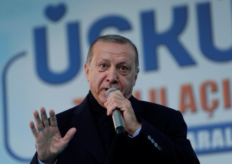 """Ερντογάν: """"Ψάχνουμε τους διεθνείς χορηγούς του δικτύου Γκιουλέν"""""""