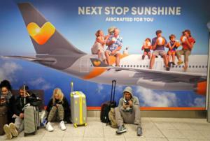 Επίθεση… drones «παρέλυσε» το αεροδρόμιο Gatwick – Οργή και χιούμορ από τους εγκλωβισμένους ταξιδιώτες