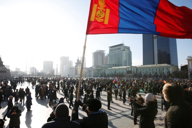 Μογγολία: Χιλιάδες άνθρωποι διαδηλώνουν κατά της διαφθοράς στους μείον 25 βαθμούς Κελσίου!