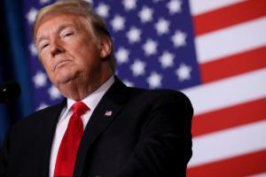 Οι περισσότεροι Αμερικανοί δεν πιστεύουν… λέξη από τις δηλώσεις του Τραμπ