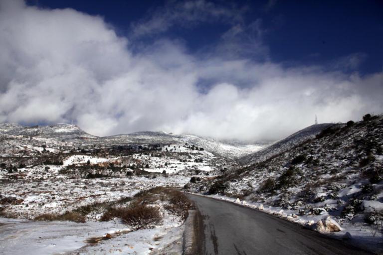 Καιρός: Χιόνια και κρύο σε Μακεδονία και Θράκη