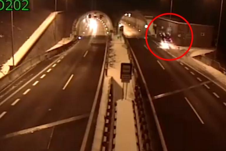 Συγκλονιστικό βίντεο: Οδηγός «καβαλάει» ράμπα, εκτοξεύεται, και βγαίνει ζωντανός!