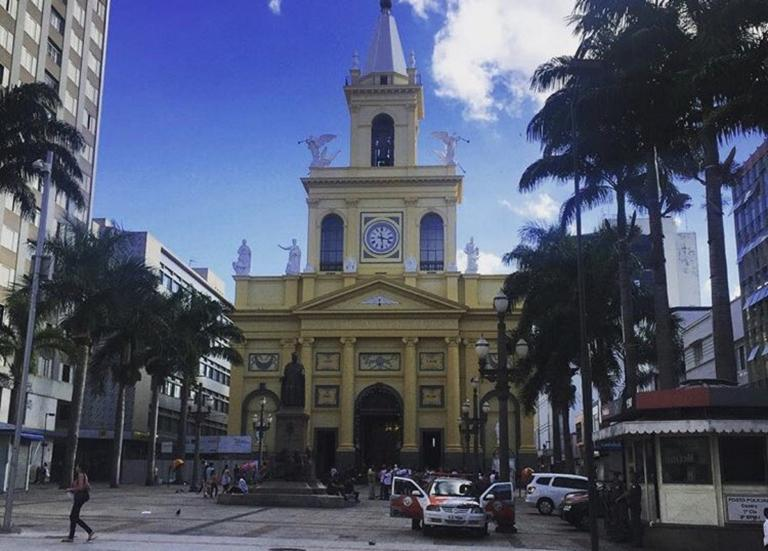 Βραζιλία: Ένοπλος εισέβαλε σε εκκλησία κι έσπειρε τον θάνατο πριν αυτοκτονήσει